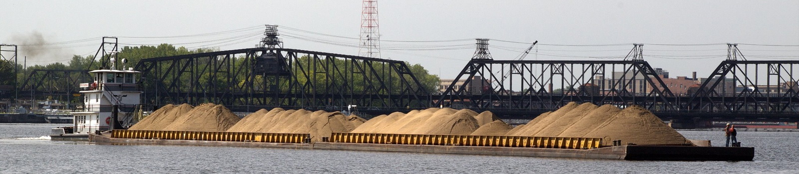 Sand-Barge